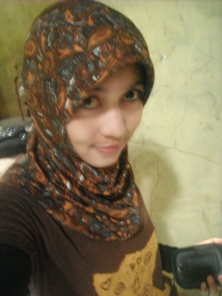http://jilbablovers.files.wordpress.com/2010/11/jilbab-batik-main-dikost-cowok.jpg?w=600&h=802